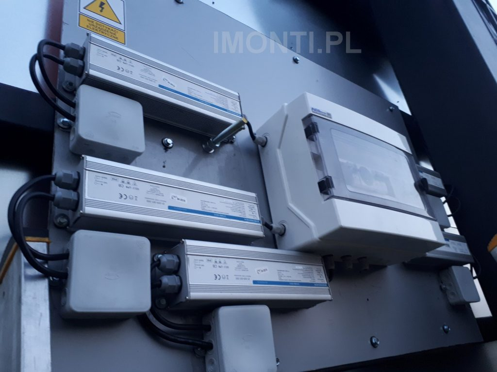 instalacja elektryczna na konstrukcji